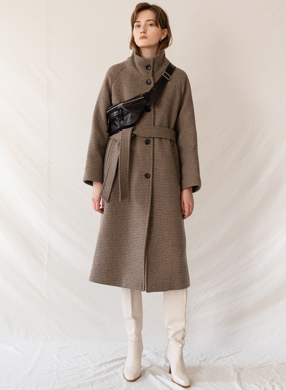 FW19 Belted highneck coat brown