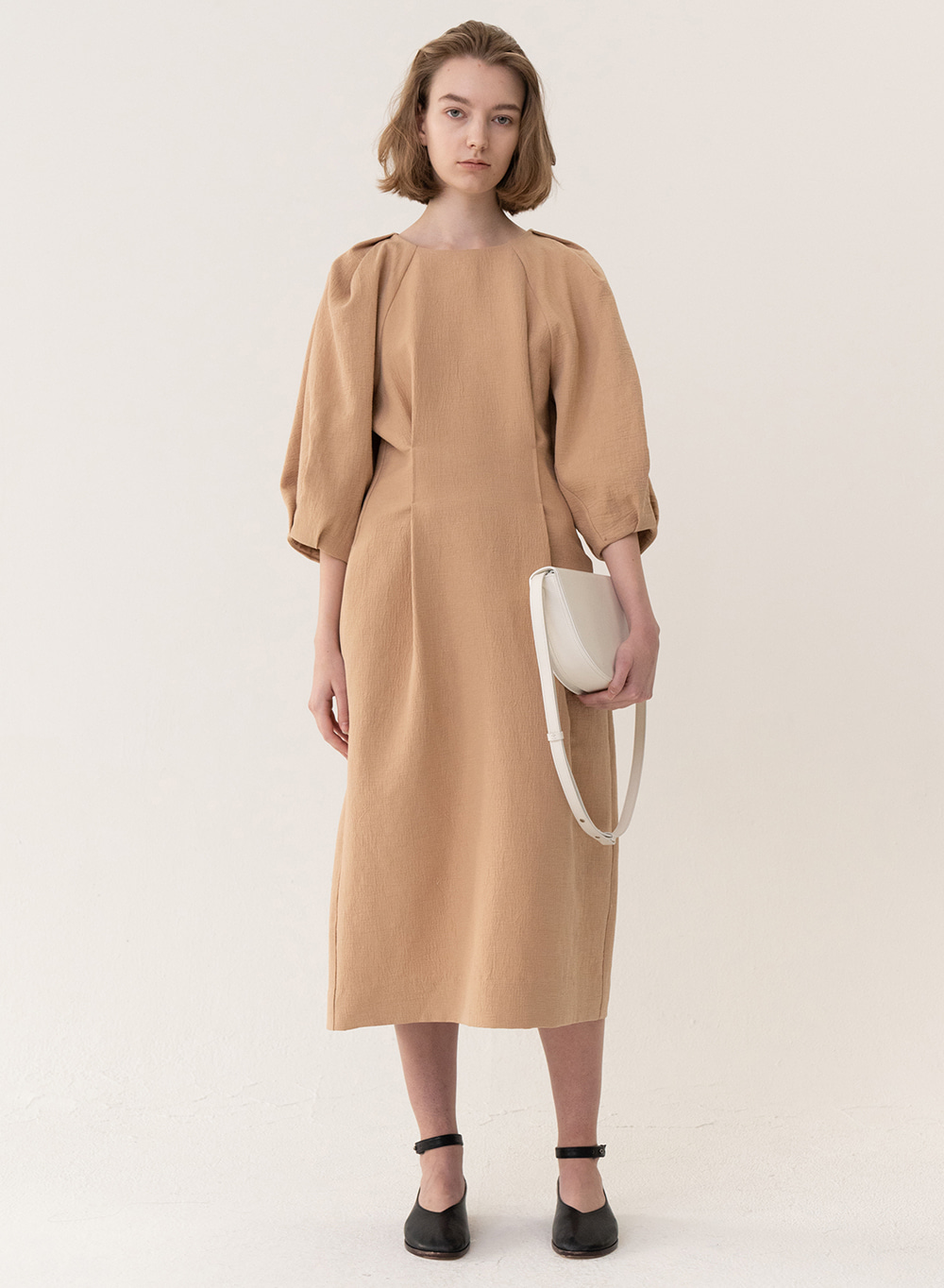 [ESSENTIAL] Cocoon Silhouette Dress Tan