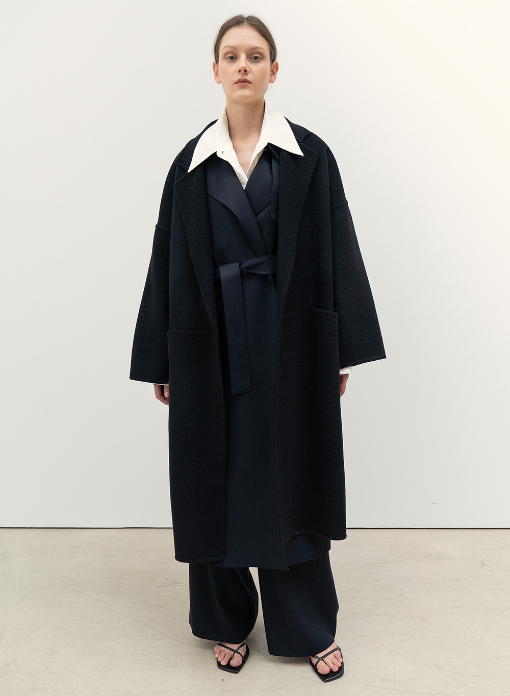 FW20 Wide Robe Coat Black