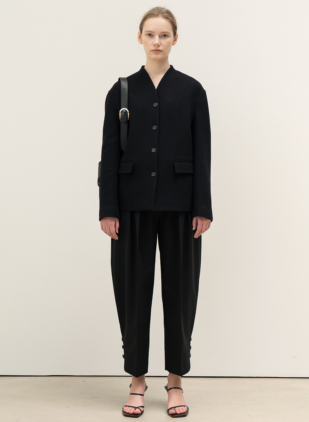 [9월22일 순차배송]FW20 Rounded Pleats Pants Black
